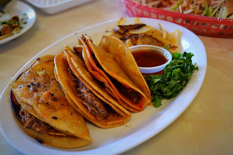 Tacos dorados estilo Jalisco
